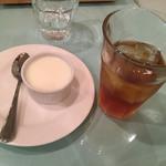 オステリア ジラソーレ - デザートセット。これにサラダが付いて+100円