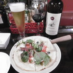 Cerdo y pato - 生ビール、赤ボトル、ピッツァ