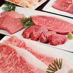 焼肉チャンピオン - 産地にこだわらず、肉質にこだわるチャンピオン。良質のA5和牛をご用意しています。