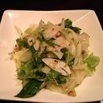櫻道 - 生野菜のサラダ(通常620円。写真はハーフサイズ)