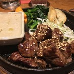 ゆうき亭 - 角切りステーキ
