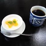 71702507 - 寿司ランチのデザート 平日は珈琲付