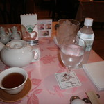 71705130 - お茶と水