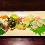 国分寺 翔 - カマスと目一鯛の刺身 2,500円