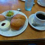 タンドールカフェ ダンヒル - 料理写真:ブレンドコーヒーとモーニングサービス