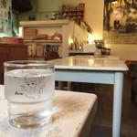 JUHA - お水のグラスは京都の「ソワレ」さんのもの。 東郷青児の絵、大好きです♡