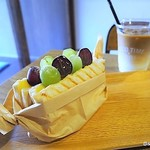 GOOD TIME COFFEE - フルーツカスタードサンド(8月) カフェラテアイス