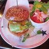 ロッキン ロビン - 料理写真:チーズバーガー 1166円