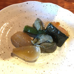 北海道ダイニング 炭火屋 - 食べ放題の茄子の煮浸し