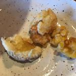 北海道ダイニング 炭火屋 - 食べ放題の天ぷら鳥、サツマイモ、コーン