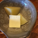 北海道ダイニング 炭火屋 - 食べ放題のじゃがバターwith四つ葉バター
