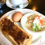 レオポン - ブレンドコーヒー¥300 Eモーニング(小倉トースト+ゆで玉子+サラダ)