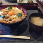 71723667 - 親子丼800円