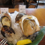 トリニティ オイスター ハウス - おまかせ生牡蠣2個セット@500円(税込み)
