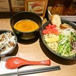 71732978 - チャーシュー飯と海老つけ麺