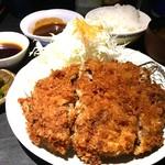 藤原亭 - メンチカツ定食(大)¥961(税込)