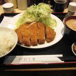 にし邑 - 上ロース定食