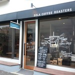 SOLA COFFEE ROASTERS - 店名の「SOLA」はラテン語で「ONLY」を意味するそう。