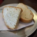 トラットリア ダ ゴイーノ - パン