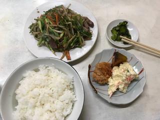 昭和食堂 - ニラレバ\650