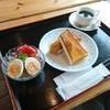 学校カフェ - 料理写真:サラダとアカシアハニートーストとコーヒー