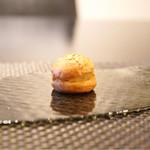 スゥリル - ☆パルメジャーノチーズのシュー