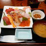71746300 - 海鮮丼 具の大盛り!