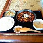 志峰飯店 - 料理写真:四川麻婆豆腐定食