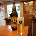 国民酒場 じぃえんとるまん - サッポロラガービール大瓶