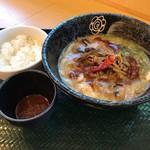 はなまるうどん - 料理写真:ビリビリサンラーうどん490円+追い飯100円