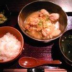 つきじ 左光 - 鶏団子と12種類の野菜の煮込み(800円)