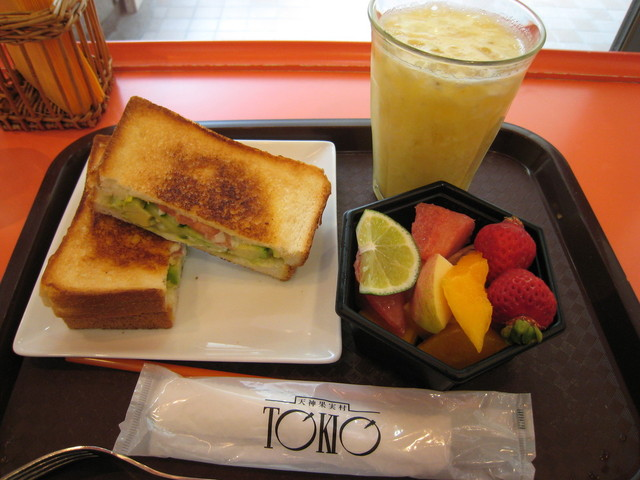 TOKIO イムズ店 - アボカドサンドランチ(735円)