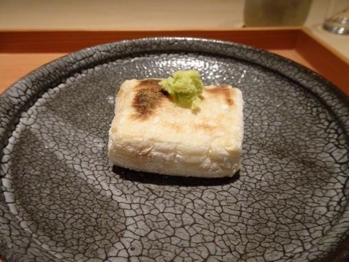 しらに田 - ◆こちらの名物の「焼きごま豆腐」。