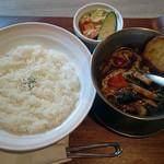 ビストロミナミヤ - 野菜カレー(850円税込)