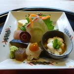 京料理 かじ - お造り(雲子ポン酢、鱧焼霜、よこわ、汲み上げ湯葉、など)