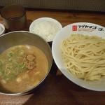フジヤマ55 - 魚介豚骨濃厚つけ麺 2017.6