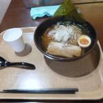 胡麻唐屋 - 醤油ラーメン 640円