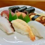 山梨屋寿司店 - 料理写真:[2017/07]たまごふわふわ寿司セット(1350円)