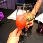 71757238 - ・桃とクランベリーのノンアルコールカクテル                       ・白ワイン