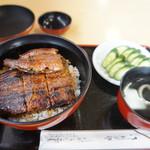 うなふじ - うなぎ丼(特2160円)ときゅうり(150円)