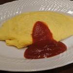 サロン卵と私 - オムライス(900円)