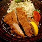 大戸屋 - 四元豚のヒレかつ定食 957円