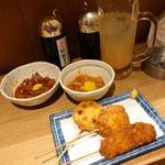 鮪市場 - マグロのブツユッケ 290円 イカキムチ 190円 お好み串3本 390円