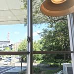 キューオーエルコーヒー - 店内からの景色
