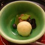 京料理 かじ - 酒粕とイチジクのアイスクリームとパイナップルのゼリーほか