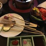 京そば処 志乃崎 - サラダと串ネタ ズッキーニ、うずらベーコン、ズリ、椎茸、エリンギ、玉ねぎ等