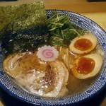 吉岡マグロ節センター - 料理写真:【マグロ節の中華そば 味玉入り】¥880