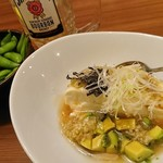 旨唐揚げと居酒メシ ミライザカ - 豆腐とアボカドの塩冷やっこ(と枝豆)