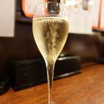 牡蠣 やまと - ☆グラスのスパークリング(^o^)丿☆