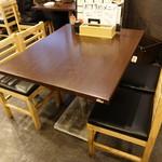 牡蠣 やまと - ☆テーブル席の雰囲気(^◇^)☆